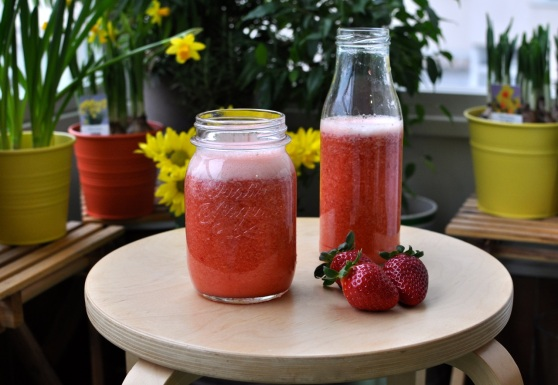 apple strawberry juice