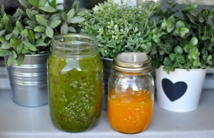 green smoothie and orange juice